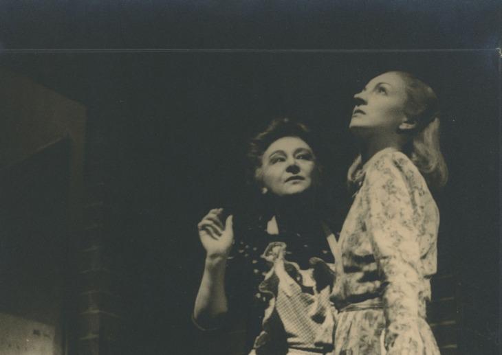 Tatiana Pavlova e Rina Morelli, Zoo di vetro 1946